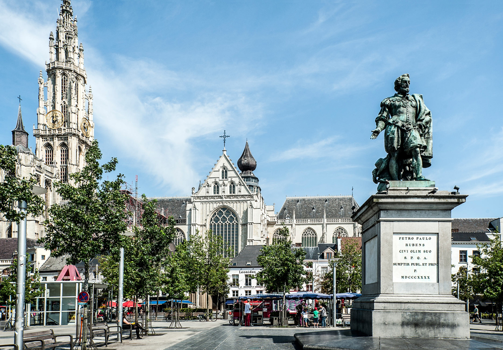 The Groenplaats and the statue of Rubens